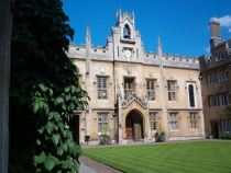 794px-sidney_sussex_college_cambridge_chapel_court
